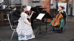 """""""Trio Glinka"""": Edmond Offerman, Emily van Baaren en Lilian Touray (Aanmoedigingsprijs)"""